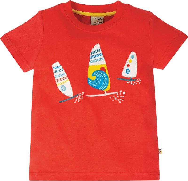 Rotes Kurzarm-Shirt mit Segelbooten