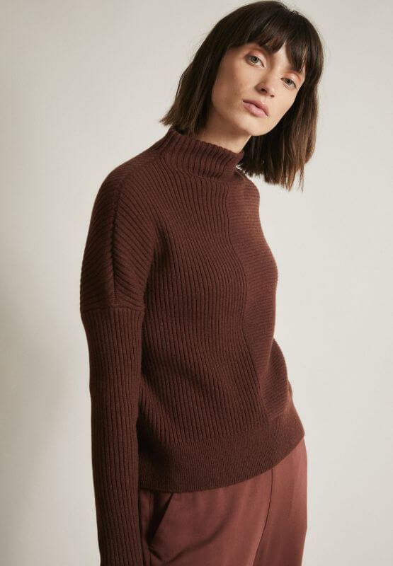 Turtleneck-Pullover bitter chocolate (100% Wolle)