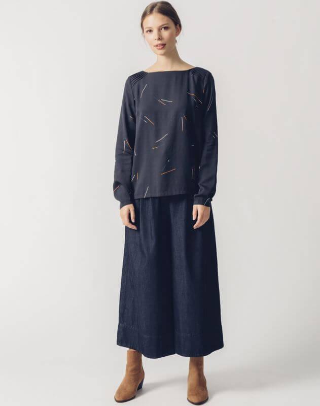 Modische Bluse LAPIA in Dunkelblau