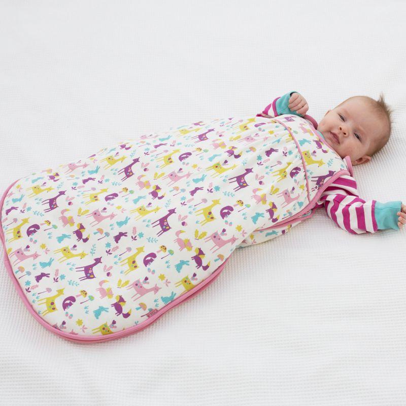 Süßer Baby-Schlafsack mit Wald-Motiv